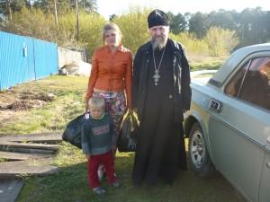 Протоиерей Александр Тимушев посетил малообеспеченные многодетные семьи. Куртамыш.