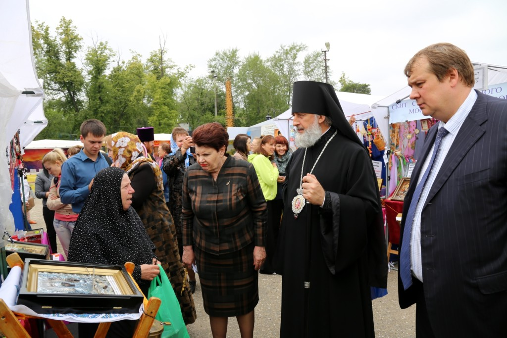 В Шадринске открылась международная православная ярмарка «От покаяния к воскресению России»