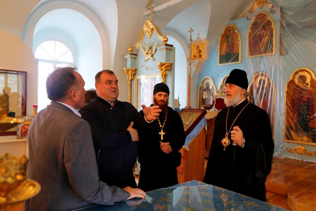 Епископ Шадринский и Далматовский Владимир посетил Преображенский храм села Батурино Шадринского района.