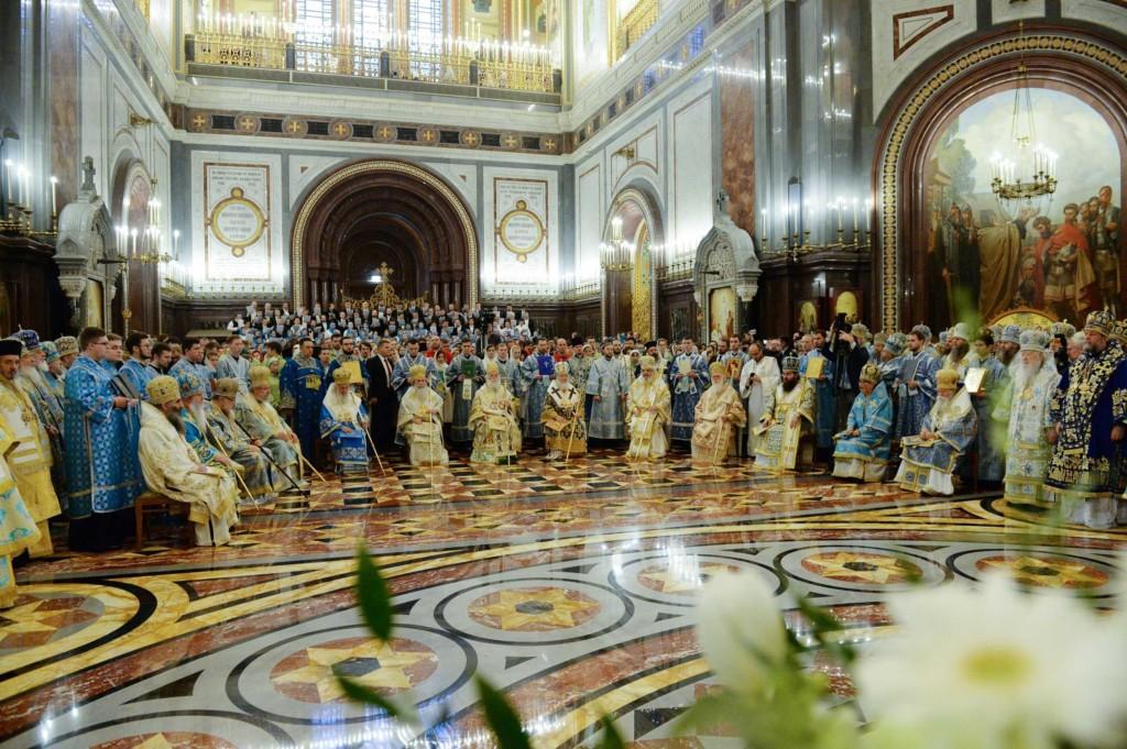 Епископ Владимир принял участие в торжественном богослужении в день 100-летия интронизации святителя Тихона, Патриарха Московского