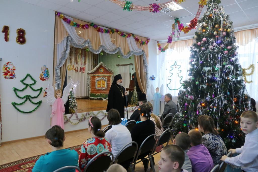Глава Шадринской епархии епископ Шадринский и Далматовский Владимир посетил ГБУ «Шадринский детский дом-интернат для умственно отсталых детей».