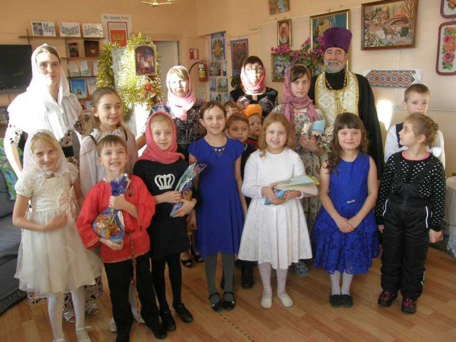 7 января 2018 года в воскресной школе при храме Покрова Пресвятой Богородицы посёлка Юргамыш состоялось Рождественское представление «Подарок для Господа».