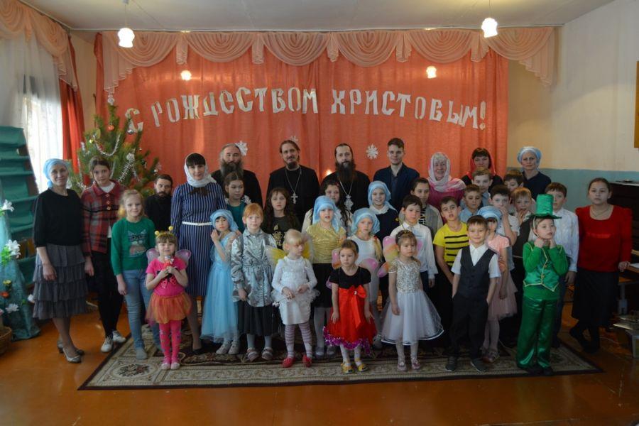 Традиционный Рождественский утренник состоялся в воскресной школе «Свеча» Успенского Далматовского мужского монастыря. 07.01.2019 г.