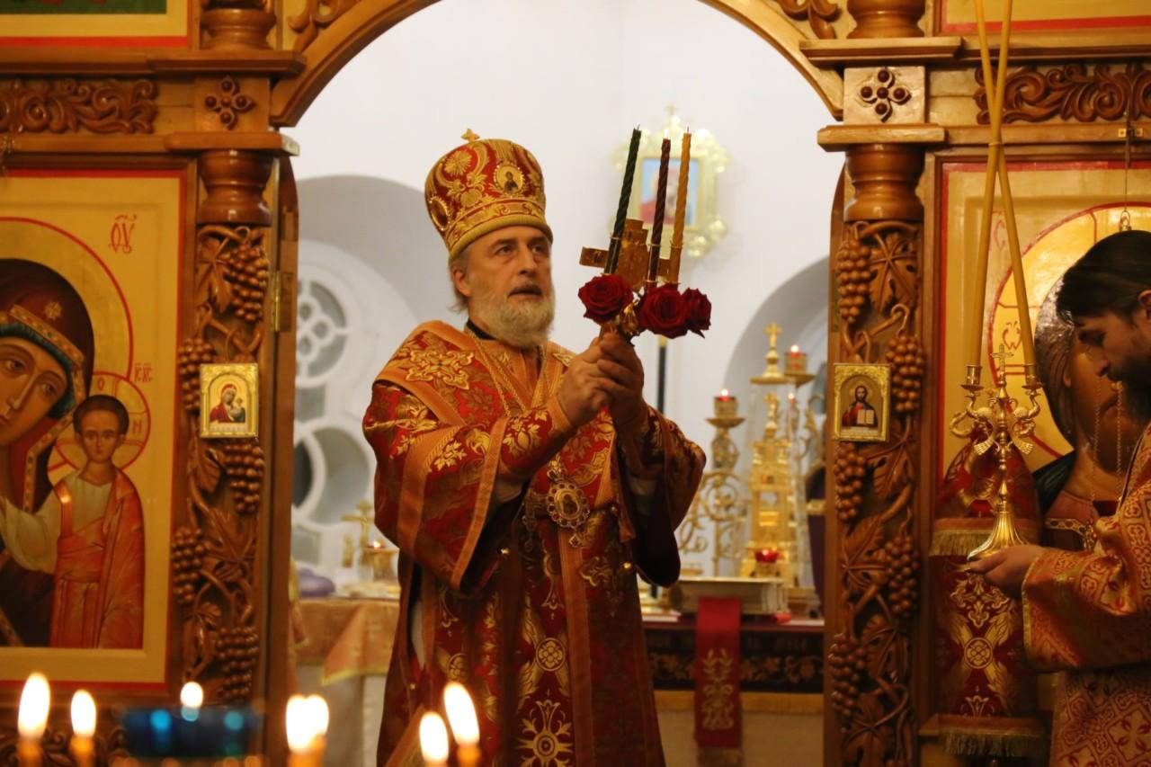 В праздник Светлого Христова Воскресения Глава Шадринской епархии возглавил торжественное богослужение в кафедральном храме святителя Николая г. Шадринска.