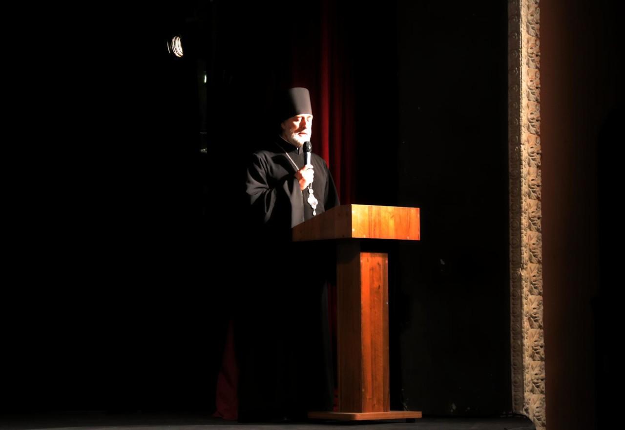 Глава Шадринской епархии епископ Шадринский и Далматовский Владимир принял участие в праздничном мероприятии, посвященном Дню сотрудника органов внутренних дел Российской Федерации. 09.11.2019 г.