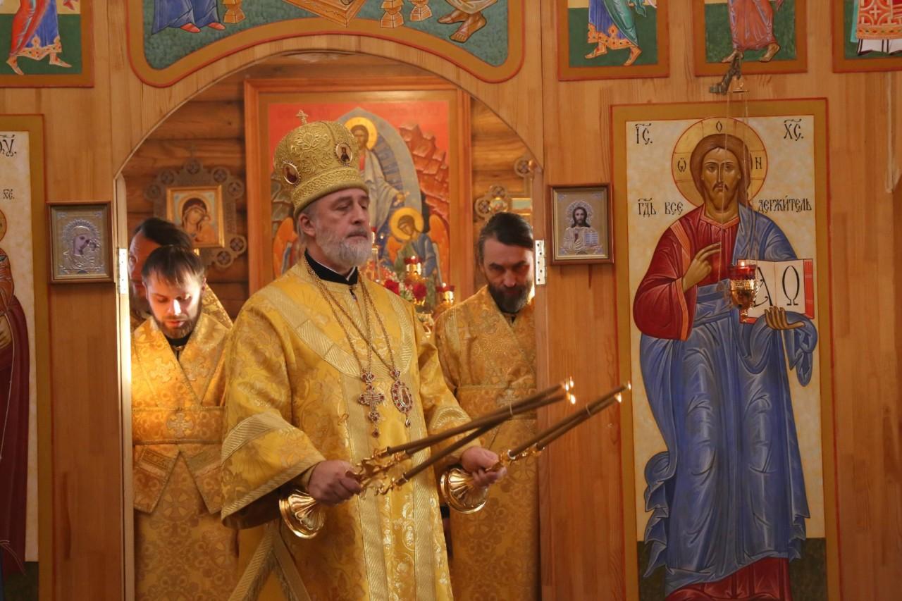 Божественная литургия. р.п. Красный Октябрь. 01.12.2019 г.