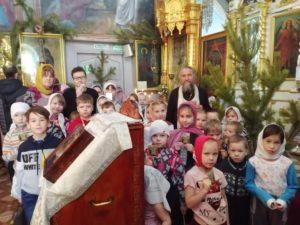 Воспитанникам воскресной школы Петропавловского храма города Куртамыша рассказали о празднике Крещения Господня