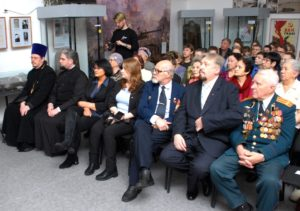 Представители Шадринской епархии приняли участие в открытии выставки, посвященной 75-й годовщине Победы в Великой Отечественной войне