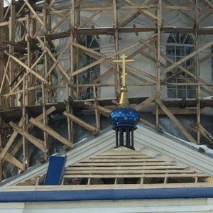 В Покровском храме рабочего поселка Каргаполье продолжаются реставрационные работы