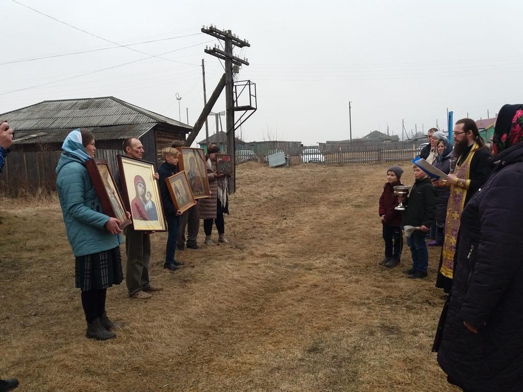 В Шатровском районе состоялся автомобильный крестный ход