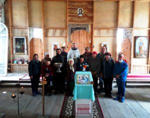 В Васильевской церкви с. Лебяжье Далматовского района отслужили молебен и навели чистоту в храме