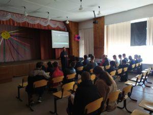 Протоиерей Владимир Швидкий побеседовал с учащимися Звериноголовской средней школы о жизненных ценностях