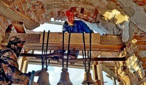 В храме в честь Рождества Пресвятой Богородицы с. Бакланское состоялась установка колоколов и генеральная уборка помещения