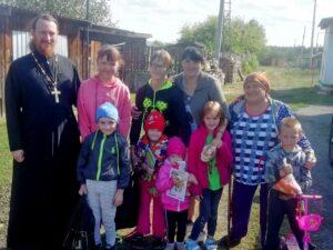 В храме Преображения Господня р.п. Кособродск Каргапольского района состоялась благотворительная акция «Соберем ребенка в школу»