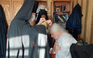 В женском монастыре в честь Похвалы Божией Матери с. Боровского Катайского р-на Шадринской епархии был совершён монашеский постриг